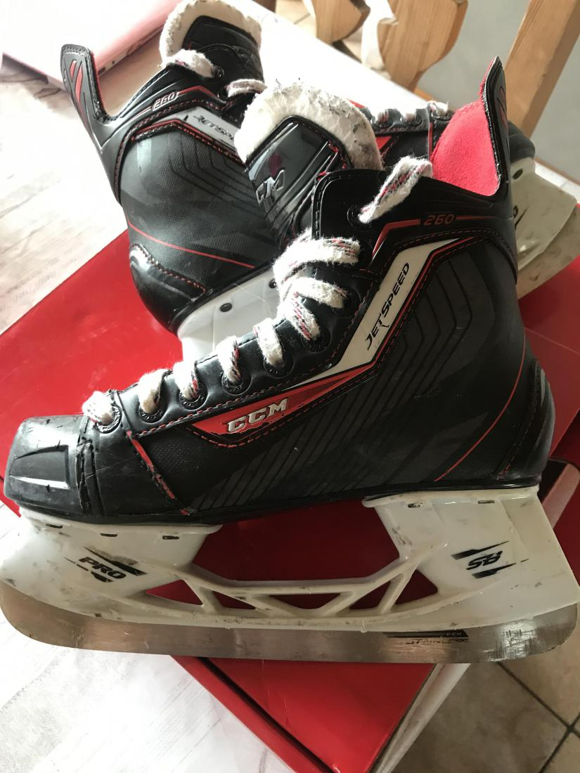 Patin hockey ccm jetspeed 260